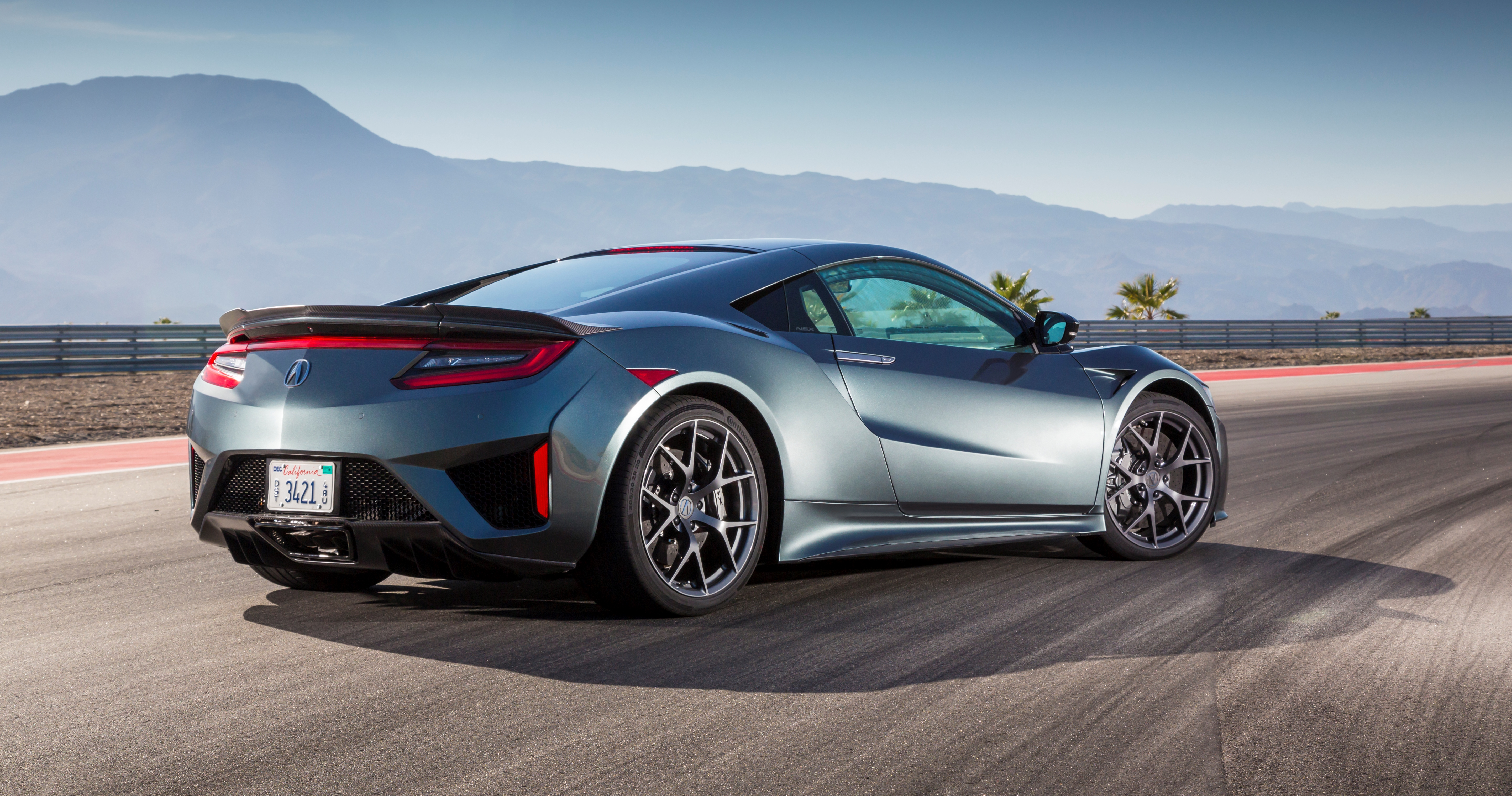 2017 Acura Nsx Named Green Car Journal S Luxury Of The Year